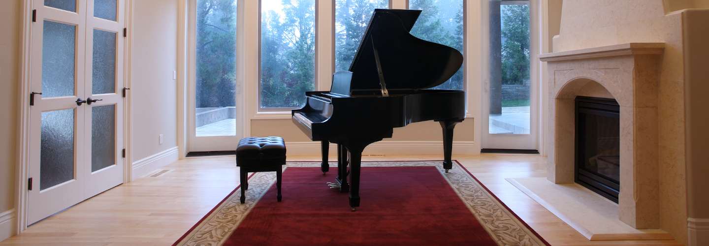 Grand-Piano-in-Luxury-Living-Room